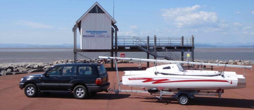 Trimarans - Astus 20 5 22 & 24 day boats